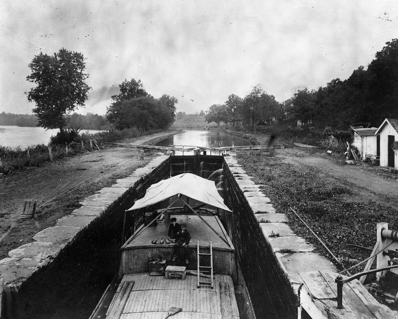 Canal boat in Lock 42